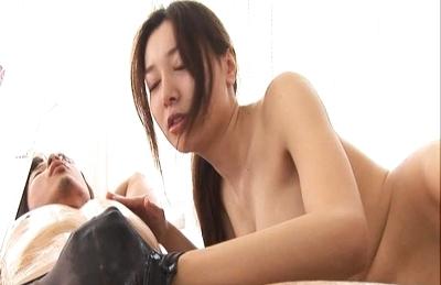 Pink Vibrator and Mai Uzuki´s Pussy