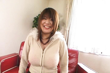 Asian milf has big beautiful tits to enjoy