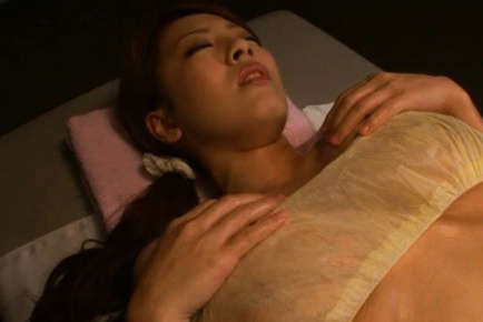 Hitomi Tanaka Beautiful Asian model has big tits