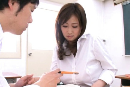 Sexually frustrated teacher Sayuki Kanno takes hardcore fucking