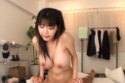 Yuuri Himeno�s huge MILF tits bounce as she�s fucked