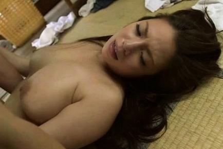 Superb Mako Oda likes it hard and very rough